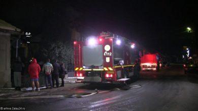 pompieri incendiu noapte isu foc stins flacari pompier (3)