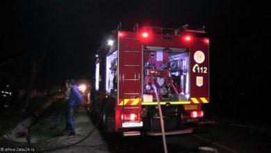 pompieri incendiu noapte isu foc stins flacari pompier (4)