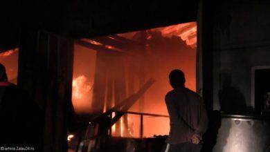 pompieri incendiu noapte isu foc stins flacari pompier (7)